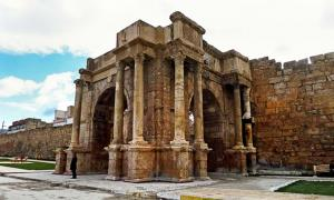 The arch of Caracalla in the Roman city Theveste