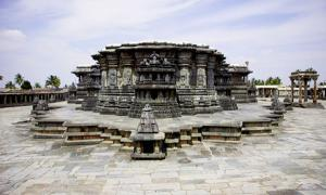 The Sacred Ensembles of the Hoysala