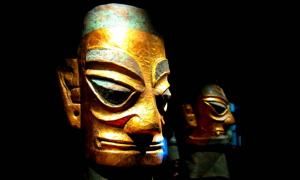 Sanxingdui bronze heads wearing gold foil masks