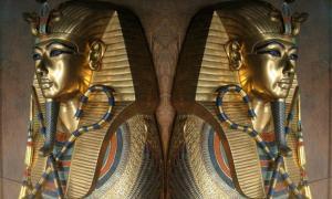 Sarcophagus of Tutankhamun double image