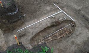 Skeleton of Sarmatian warrior discovered near Krasnodar, Russia.     Source: Russian Highways