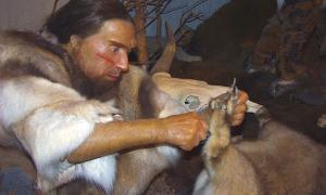 Sculpture in Neanderthal Museum (Public Domain)