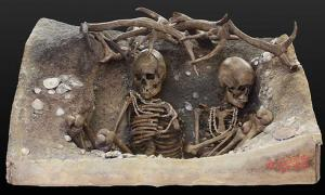 Reconstitution of a prehistoric tomb containing the 'Ladies of Teviec', two women in their twenties or early thirties.