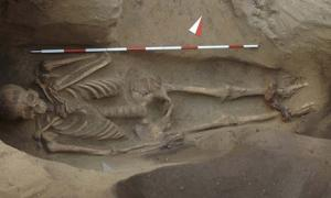 The ancient Etruscans are often remembered as a highly-cultured civilization which was peaceful and spiritual. However, the shocking discovery of a burial unearthed recently in Populonia, central Tuscany, Italy reminds researchers that, like most others, the civilization also had a dark side.