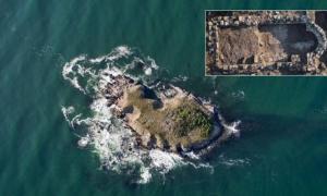 St. Thomas Island. (Inset:12th – 14th century monastery)