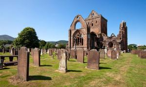Sweetheart Abbey, Dumfries and Galloway, Scotland             Source: Heartland Arts / Adobe Stock