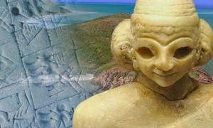 Plate 1: Australian eastern seaboard (Google Earth), statue of a Sumerian woman c. 2400 BC