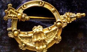 Copy of the 8th century Tara Brooch.