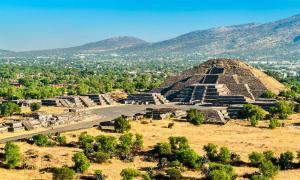 The cave under Teotihuacan's Pyramid of the Moon helps explain the urban planning of this famous site. Source: Leonid Andronov /Adobe Stock