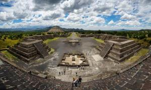 Most people don't know there are Teotihuacan tunnels creating a labyrinth below the archaeological site