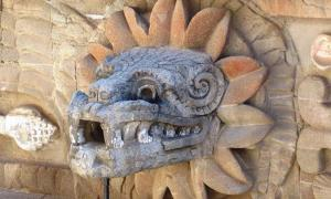 A depiction of Quetzalcoatl as a feathered serpent in Teotihuacan