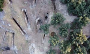 Aerial view of chamber of the two tombs in the eastern part of the Mycenaean cemetery at Aidonia, along with the tombs from the old excavation. Source: Ephorate of Antiquities of Corinth