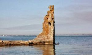A Tower for Power Reduced to Ruins: The Forgotten Story of Torre San Sadurniño