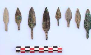 Around 3000 arrowheads were found amongst the hoard.