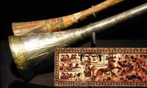 Tutankhamun's silver trumpet with wooden insert. Tutankhamun's War Chest by Asaf Braverman