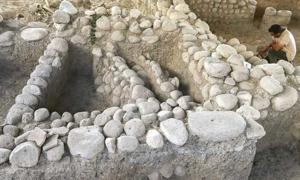 Archaeologists excavating in Yassitepe, Turkey have unearthed a Greek settlement consisting of luxurious houses. This suggests that luxury life began in Asia Minor almost 5,000 years ago.