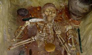 The rich burial of Varna man found with gold in Bulgaria