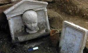 Vatican City's Necropolis Shows How Roman Non-Elites Lived and Died