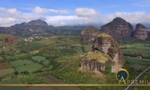 """The """"Mexican Sphinx"""" near Tlayacapan, surrounded by mountains of the Sacred Valley and the landscape around the town of Tepoztlán. (Image: © Marco Vigato)"""
