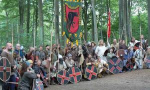 Reconstruction of a Viking meeting by Jonathan Hart