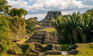 Xunantunich Temple . Credit: milosk50  / Adobe Stock