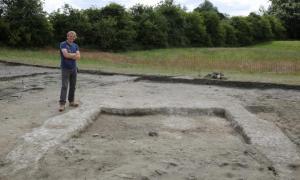 4,400-year-old ruins found near ceremonial site in Britain