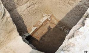 China Tomb Raiders