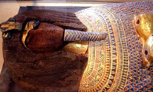 The desecrated royal coffin found in Tomb KV55.