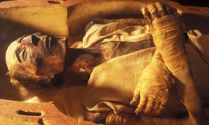 Unwrapping Egyptian Mummies
