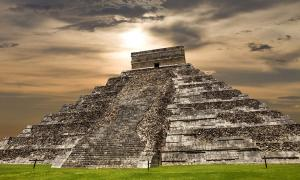 El Castillo - Maya