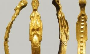 Gold Nordic figurine