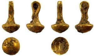This is the actual size of the gold piece made in Bulgaria's prehistoric fortified settlement of Solnitsata.