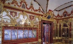 View into the Jewel Room of the historic Green Vault. Source: Hans Christian Krass / © Grünes Gewölbe, Staatliche Kunstsammlungen Dresden.