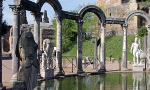 slave tunnel beneath Hadrian's Villa