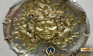 Medusa and the Gorgons: The Origins of the Legendary Tale