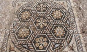 Ancient mosaic discovered in Kom-El-Dikka. Source: Ministry of Antiquities / Facebook.