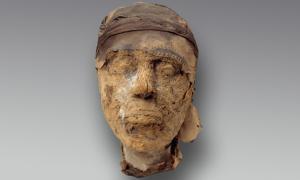 The mummified head of Djehutynakht.