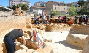 A necropolis was found under land upon which a new culture center is being built in Sinop
