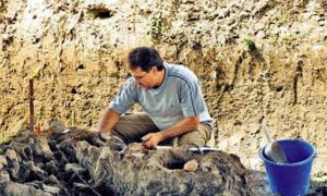 8,000-Year-Old Settlements and Necropolis in Southern Greece