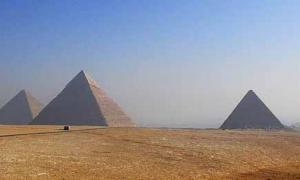 Pyramids of Egypt - Construction Theory