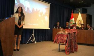 Roxana Quispe Collantes is the first person ever to present and defend her thesis in Quechua. Source: Facultad de Letras y Ciencias Humanas - UNMSM