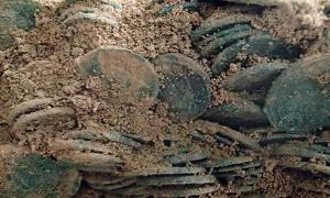 Hoard of 22,000 Roman coins in Britain