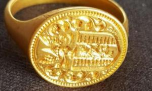 The 350-year-old gold signet ring found on the lakeshore of Loch Lomond in Scotland.