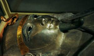 The silver coffin of Psusennes I