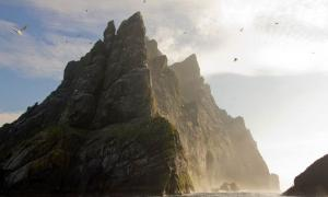 Could the Scottish archipelago of St. Kilda, in the image, really have been inhabited 2,000 years ago? Pottery discovered on Hirta proves it was.