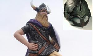 A modern statue of a Viking with the mythical horned helmet
