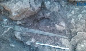 A sword from the Talaiotic civilization has been found in Mallorca, Spain.       Source: Diario de Mallorca