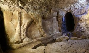 Assyrian Palace Discovered in Terrorists' Treasure Tunnels