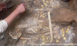 Ancient Treasures at Russian Burial Site