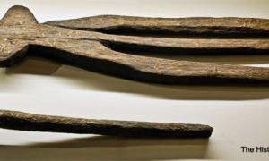 Neolithic Tridents